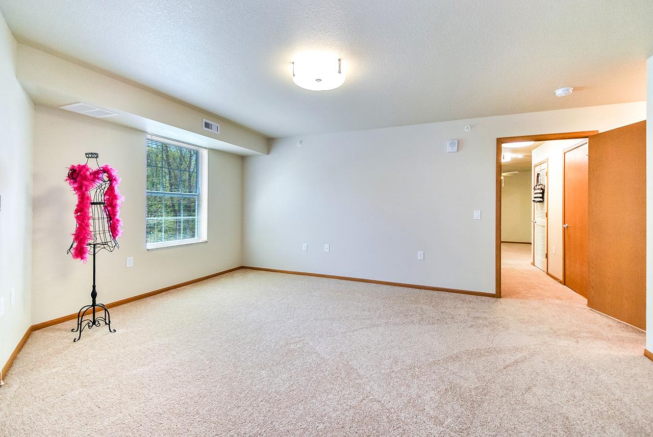 Grandhaven Manor empty interior room